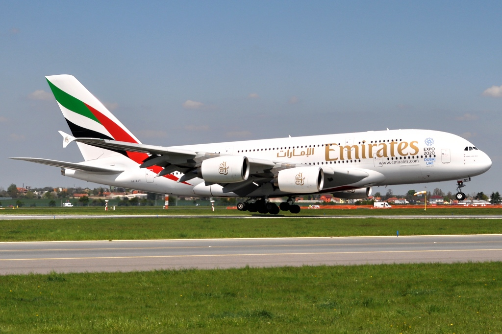 Airbus A380-861, Emirates A6-EOV, 6.5.2016