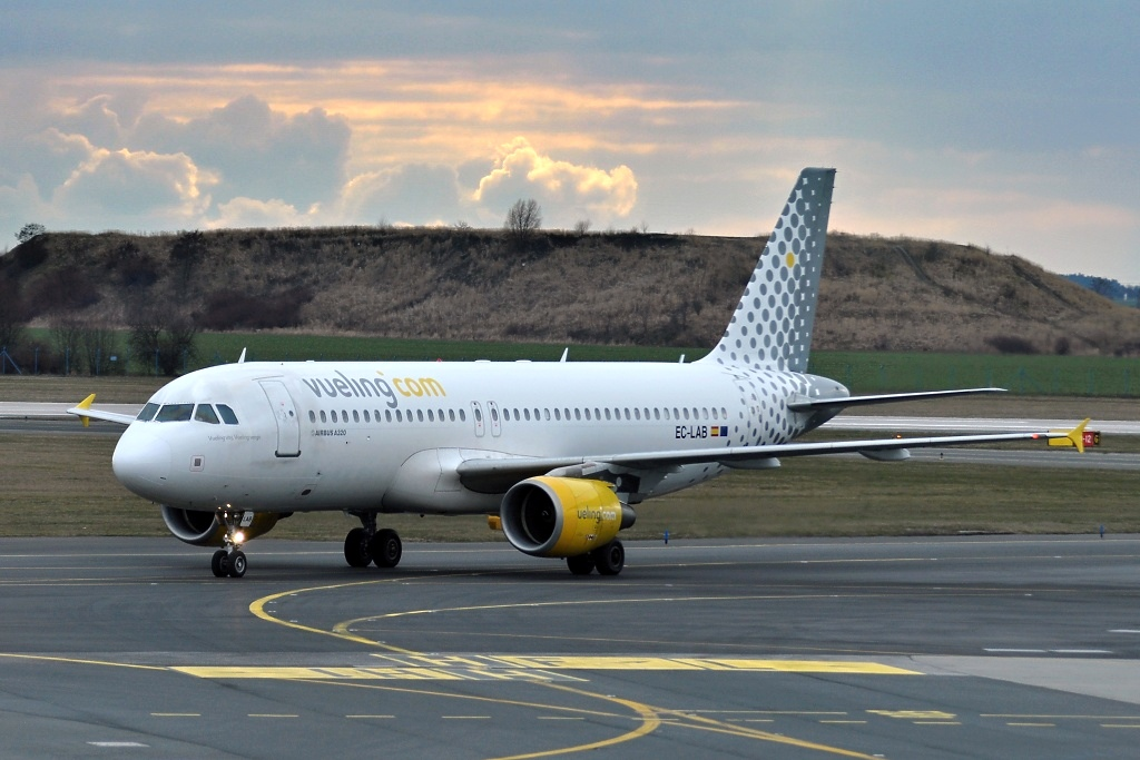 Airbus A320-214, Vueling Airlines, EC-LAB, 7.3.2016